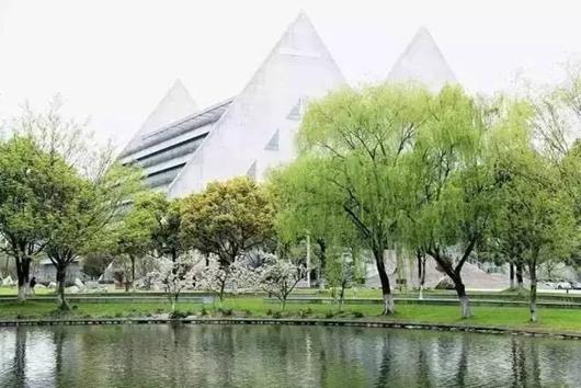 文汇学校风景图片