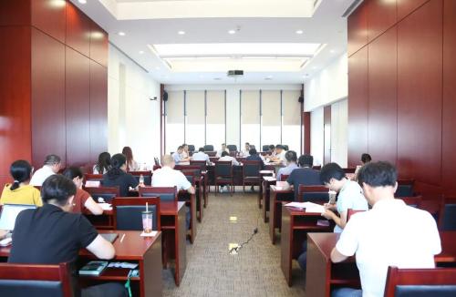 上海市知产局举行知识产权综合立法专家座谈会