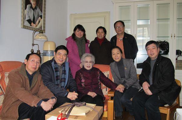 上海文联-影协恭祝著名表演艺术家秦怡90周岁